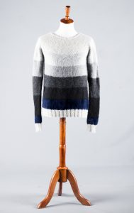 Ombre knitted sweater pattern